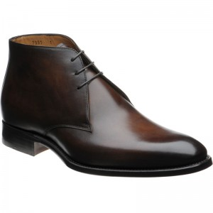 Carlos Santos 7991 Chukka boots